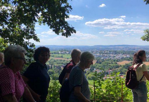Mitglieder und Blick ins Tal